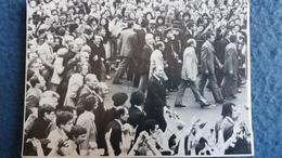 CPSM 21 MAI 1981 JOURNEE D INVESTITURE A LA PRESIDENCE DE LA REPUBLIQUE FRANCOIS MITTERRAND REMONTE LA RUE SOUFFLOT VERS - Partis Politiques & élections