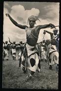 RUANDA - URUNDI - DANSEUR WATUSI - FOTOKAART MET KREUK - Ruanda-Urundi