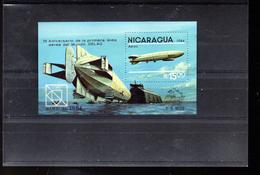 NICARAGUA BLOC 166** SUR UN DIRIGEABLE POUR L EXPO HAMBURG 84