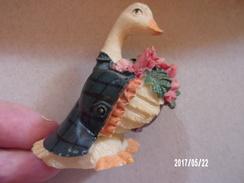 Oie Yves Rocher En Résine - Pájaros