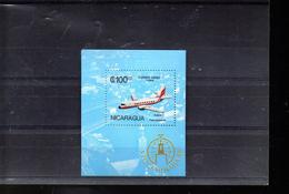 NICARAGUA BLOC 177** SUR UN AVION POUR L EXPO STOCKHOLMIA 85