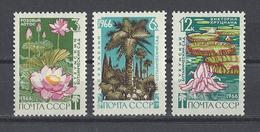 RUSSIE . YT 3117/3119 Neuf ** 125e Anniversaire Du Jardin Botanique De Soukhoumi 1966