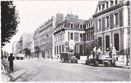 93. Pf. PANTIN. Rue De Paris. Banque De France. 4 (pompe à Essence) - Pantin