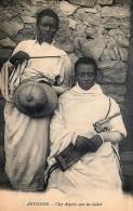 Ethiopie - Abyssinie - Chef Abyssin Avec Un Soldat - Ethiopie