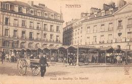 NANTES  - Place Du Bouffay - Le Marché ( Animée ) Dugas - Nantes