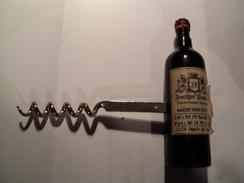 DECAPSULEUR BOUTEILLE DE VIN JOACHIM PASTOR. NOUSTY 64420 - Apri-bottiglie/levacapsule