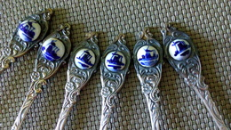LOT 6 Petites Cuillères Métal -  Argenté HOLLAND & Petite Décoration En Céramique Delft - Collection Souvenir - Spoons