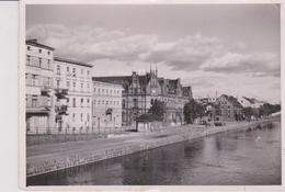 CPSM 10X15 . POLOGNE .Bydgoszcz . Nadbrzetz N/ Brda  (+ Beaux Timbres) - Pologne
