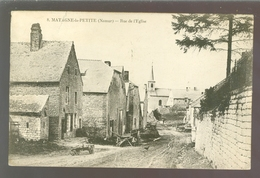 Matagne - La - Petite  : Rue De L'Eglise - Doische