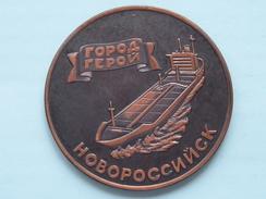 USSR MORFLOT - NOVOROSSIYSKSHIPPING COMPANY ( Details Zie Foto's - 70 Gr. / 60 Mm.) U.S.S.R. ! - Other