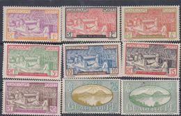 Guadeloupe N° 99 / 108  X Vues Partie De Série .   Les 11  Valeurs Trace De  Charnière Sinon TB