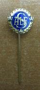 AC - SWEDISH PIN - BADGE - Archery