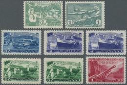 Sowjetunion: 1930/1962 (ca.), Dubletten In Zwei Alben Bzw. Auf Steckbuchseiten Mit Meist Kompletten Sätzen Dabei Au