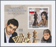 Thematik: Spiele-Schach / Games-chess: 2007-2010: Group Of 20 Different Souvenir Sheets, Imperf. On Cards (Luxury Blocks