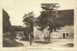 La VIEILLE-LOYE (Jura)  - La Place - Autres Communes