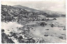 Cpsm Algérie, Tigzirt Sur Mer - Un Coin De La Côte Et De La Plage ( Tampon Militaire Au Verso ) - Algérie