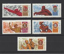 RUSSIE . YT 3396/3400  Neuf ** Cinquantenaire Des Komsomols 1968