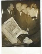 ANDRE MALRAUX SOUS LE REGARD DE M. JASPAR AMBASSADEUR DE BELGIQUE A PARIS - PHOTO PRESSE 1.10.59 - Berühmtheiten