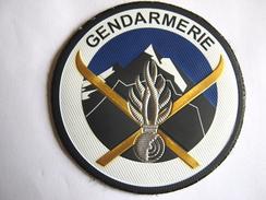 INSIGNE TISSUS PATCH GENDARMERIE NATIONALE PSIG MONTAGNE (PLASTIFIE) SUR VELCROS ETAT EXCELLENT - Police & Gendarmerie
