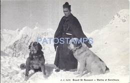 72736 SWITZERLAND MASTER AND SERVANTS COSTUMES RELIGIOUS AND DOGS OF THE GRAND ST BERNARD POSTAL POSTCARD - Suisse