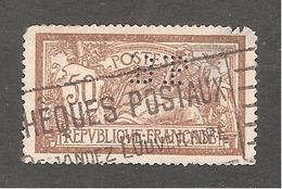 Perforé/perfin/lochung France Merson No 120 BP  Banque De Paris Et Des Pays Bas (143) - Perforés