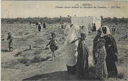BISKRA - Femmes Arabes Visitant Un Marabout Du Cimétière - Ed. ND Phot.