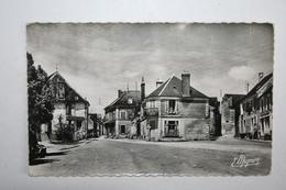 89 : Courson Les Carrières - La Place , La Grande Rue - Courson-les-Carrières