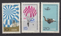 DDR / Weltmeisterschaften Im Fallschirmspringen / MiNr. 1193-1195