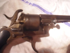 Superbe Pistolet A Broche De 7 MM En Tres Bon Etat De Marche Fabrication Vers 1860