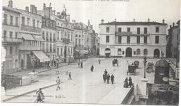 MONT DE MARSAN - 40 - Place De L'Hotel De Ville - LYO86 - - Mont De Marsan