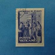 1960 VATICANO FRANCOBOLLO USATO STAMP USED - ANNO MONDIALE DEL RIFUGIATO 100 Lire -