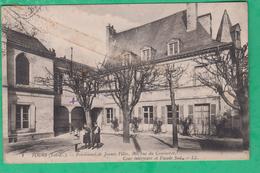 37 - Tours - Pensionnat De Jeunes Fille. 36, Rue Du Commerce - Cour Intérieure Et Façade Sud - Editeur: LL N°1