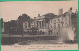 37 - Tours - Le Palais De Justice - La Place Et Les Jets D'eau - Editeur: A.P N°7 (tramway)