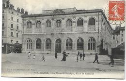 38 Vienne  Le Musée  Bibliothèque  Place De Miremont