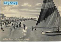 Marche-pesaro-gabicce Mare La Ridente Spiaggia Veduta Riva Con Folla Di Bagnanti Barche A Vela Animatissima Anni 40/50 - Italia