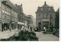 BRANDENBURG Photo Originale Format 10 X 15- Années1960 - Bollmann Brunnen Hauptstrasse - Bon état - Brandenburg