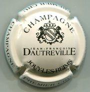 CAPSULE-CHAMPAGNE DAUTREVILLE J.F. N°10 Série écusson, écriture Horizontale, Crème Et Noir - Sonstige