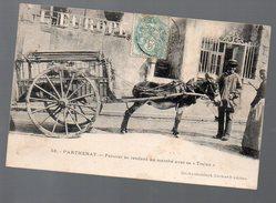 """Parthenay ( 79 Deux Sèvres) (âne) Fermier Se Rendant Au Marché Avec Sa """"traine"""" (voyagé 1906) (PPP5194) - Parthenay"""