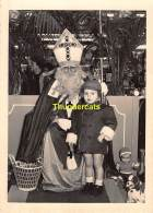ANCIENNE PHOTO GARCON  VINTAGE PHOTO SAINT NICOLAS SINTERKLAAS ST NICOLSON  BOY ( 14,5 X 10,5 ) - Personnes Anonymes