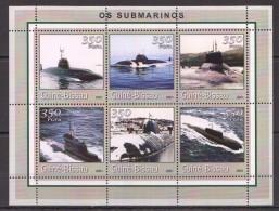 VV332 2001 GUINE-BISSAU OS SUBMARINOS 1KB MNH