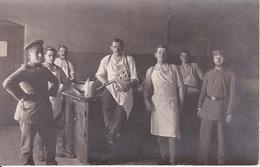AK Foto Deutsche Soldaten In Küche - Feldpost Landau - 1916 (28952) - Guerra 1914-18