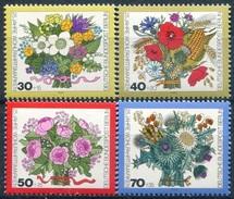 Y&T  N° 437-440 ** Flore
