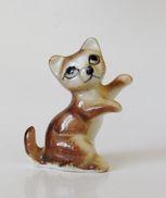 Fève Creuse Miniature Chat - OK - Hadas (sorpresas)