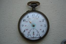 Montre à Gousset Datée De 1917 Pour Réparation Ou Pour Pièces - Taschenuhren
