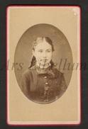 Photo-carte De Visite / CDV / Fille / Girl / Photo R. Mutsaarts / Jorispoortstraat / Antwerpen - Anciennes (Av. 1900)