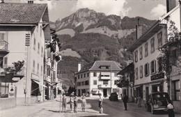 Broc. Rue Commerçante Animée. Voiture FR 11445 - FR Fribourg