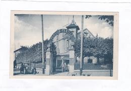 Entrée  De  L'HOTEL  BELLEVUE.  -  BARBIZON  -  J.  BOUVARD.  PROP.