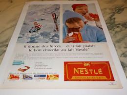 ANCIENNE PUBLICITE CHOCOLAT NESTLE 1965 - Posters