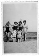 BU212      Foto, Photo  Plaia Di Catania - Donne Woman - Anonieme Personen