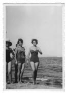 BU213      Foto, Photo  Plaia Di Catania - Donne In Costume - Personas Anónimos